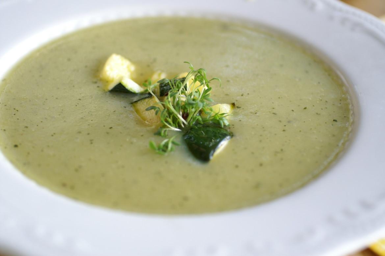 zucchini suppe rezepte suchen. Black Bedroom Furniture Sets. Home Design Ideas