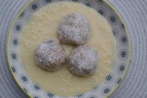 Kokos- Gries-Knödel
