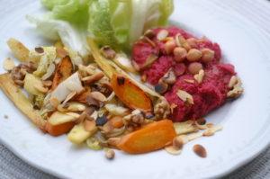 nussiges Wurzelgemüse mit Rote Rüben Hummus
