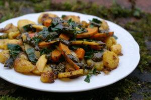 Kartoffelpfanne mit Kürbiskernpesto
