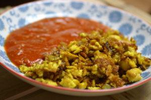 Eierspeise mit Paprika-Tomaten-Ragout
