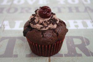 Schoko-Kirsch-Cupcake