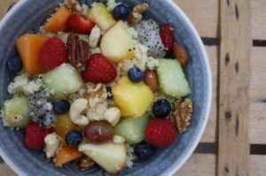 süßer Couscous mit Früchten