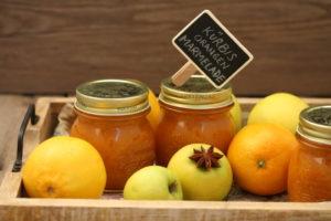 Kürbis-Orangen-Marmelade mit Äpfeln und Zimt