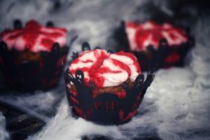 Muffins mit roten Gehirnen