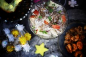 cremiger Jackfruit-Salat mit Äpfeln
