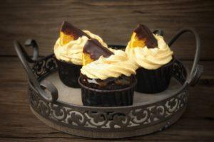 Orangen-Cup Cakes mit fruchtiger Marmelade